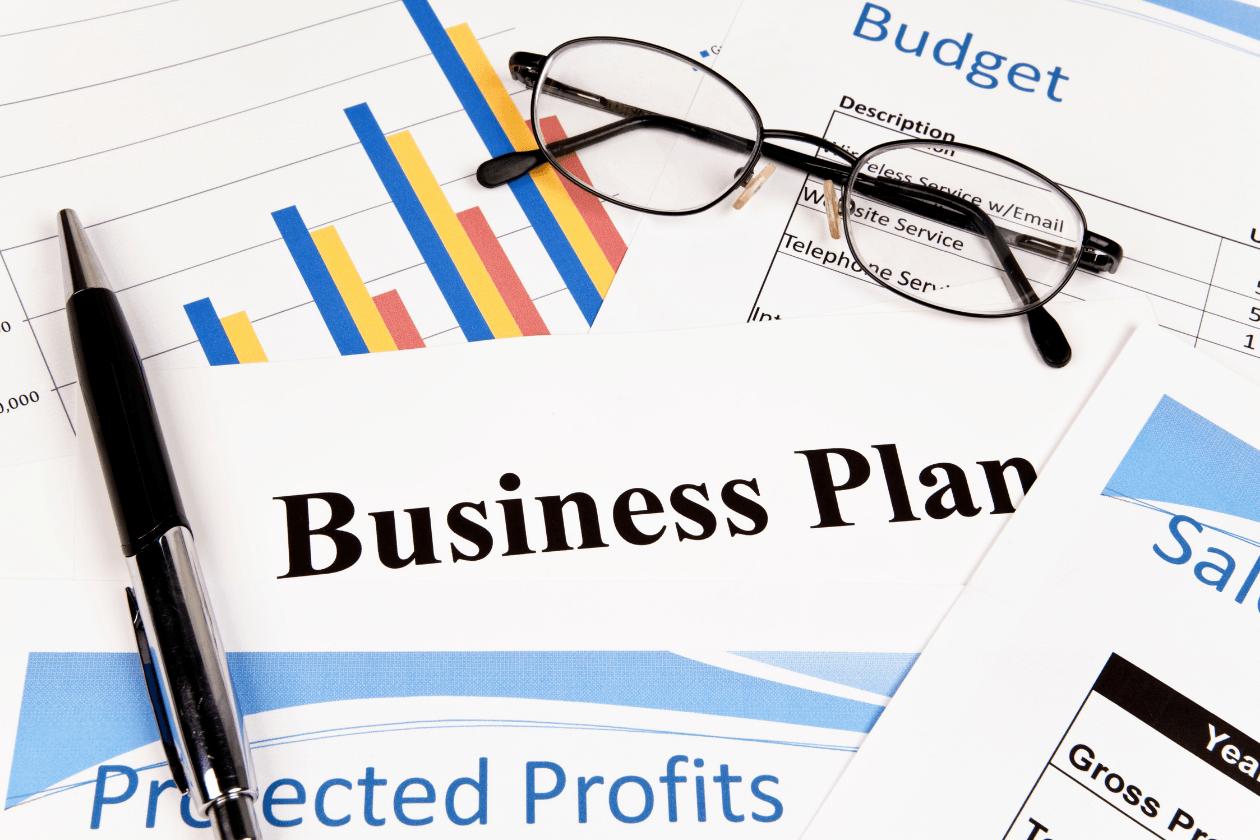Ce ar trebui să conţină un plan de afaceri?